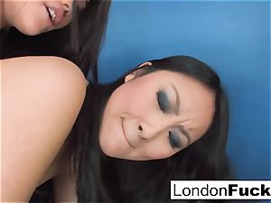 London Keyes and Evelynn Linn have some lezzy action