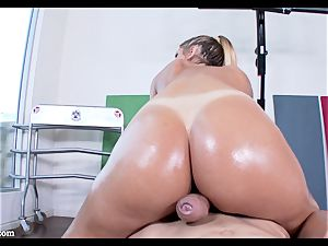 lubricious pussyhole of August Ames wedged with rock hard man meat