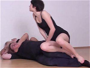 Fetish-Erotic wrestling gals fight dudes down