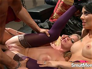 stellar cougars Brooke and Zoey Share a chisel