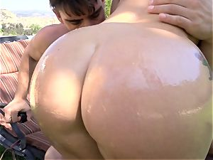 AJ Applegate oily outdoor ass-fuck