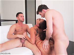 chinese woman London Keyes likes group intercourse