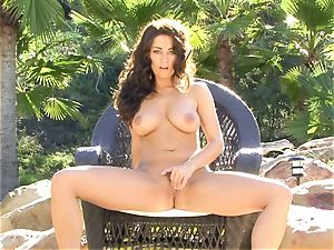 Taylor Vixen is sultry red-hot bare on her stool playing with her simmering slits