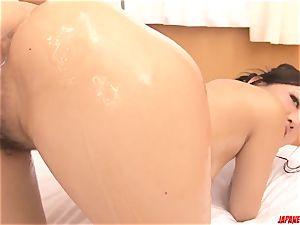 finish adult japanese gonzo during massage with Maki