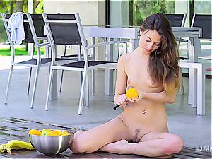 Lorena teasing with citrus