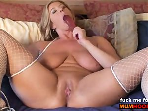 insatiable mom poke her vag and messy talking