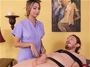 nubile massagist feels gross To observe His spunk