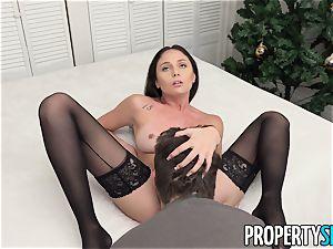 PropertySex Ariana Marie loving The Christmas sex