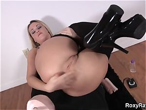 Roxy Raye - buttfuck Assembly for butt-fucked and deep fisting