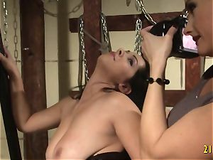 crazy mistress screws her sub with a wire on