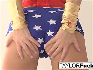 Taylor Is Wonder gal