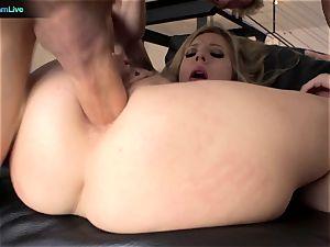 innocence Lynn enjoys anal invasion fuck-fest so much