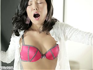 unbelievable chinese student enjoy to fellate and fucked