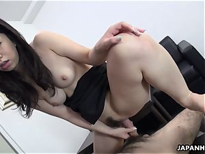 asian cuttie slips that man meat in her and cums
