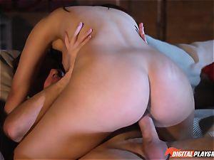 sultry snatch humped pole eater Valentina Nappi