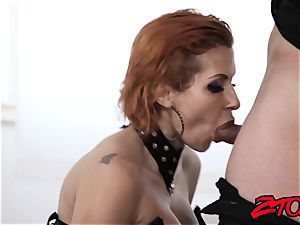 red-haired mummy Savana Styles penalized with nailing