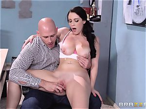 kinky Noelle Easton pulverizing a lucky chess egghead