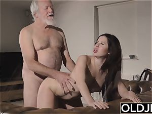 nubile Interrupts grandfather from Yoga And bj's his manmeat
