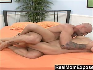 RealMomExposed He Lets His wifey Get penetrated