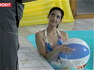 LETSDOEIT - sonnie tears up StepMom And step-sister At The Pool
