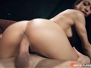 Veronica Rodriguez rammed rock-hard in her humid vulva
