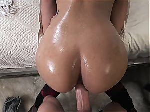Demi Lopez creampied during hookup