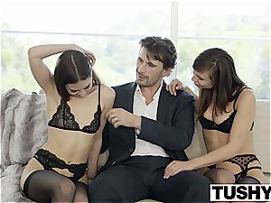 Riley Reid's 2nd plump of anal romp with friends
