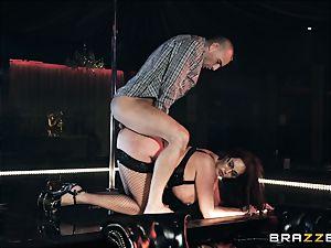 Emma butt railing on top