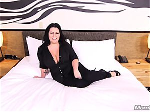 thick boobs inexperienced cougar plus-size luvs tearing up
