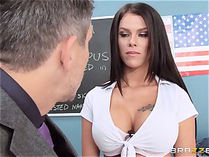 messy schoolgirl Peta Jensen pulverizes the lucky dean