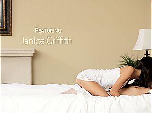 Janice' super hot oral session