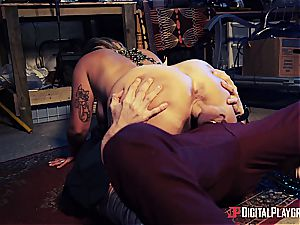 Danny D uses his weenie to bait a succubus